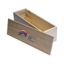 Dickwandige und stabile Holzkiste