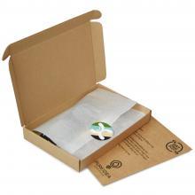 Brievenbuspakket met flesopener, speelkaarten en een gepersonaliseerde zonnebril met jouw naam | BBQfoodbox005