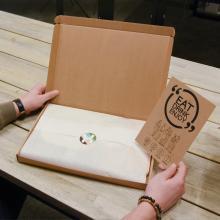 Gepersonaliseerde snijplank | Met vleesthermometer & handschoenenset | BBQfoodbox004
