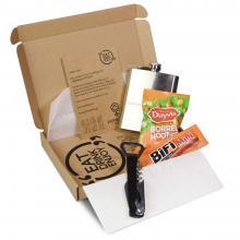 Brievenbuspakket met kelnersmes, bifi worstje, borrelnootjes en een gepersonaliseerde heupfles met jouw naam