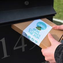 Brievenbuspakket met bamboe zonnebril gegraveerd met jouw naam | Summerbox003