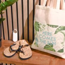 Gegraveerde zonnebril | Met slippers, zonnebrand & katoenen zomertas | Summerbox001
